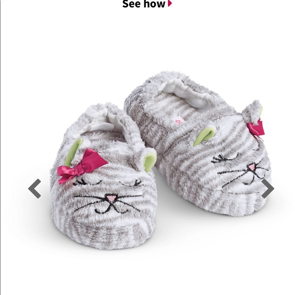 f52ec431972 American girl bitty baby slippers Sz 7. Toddler